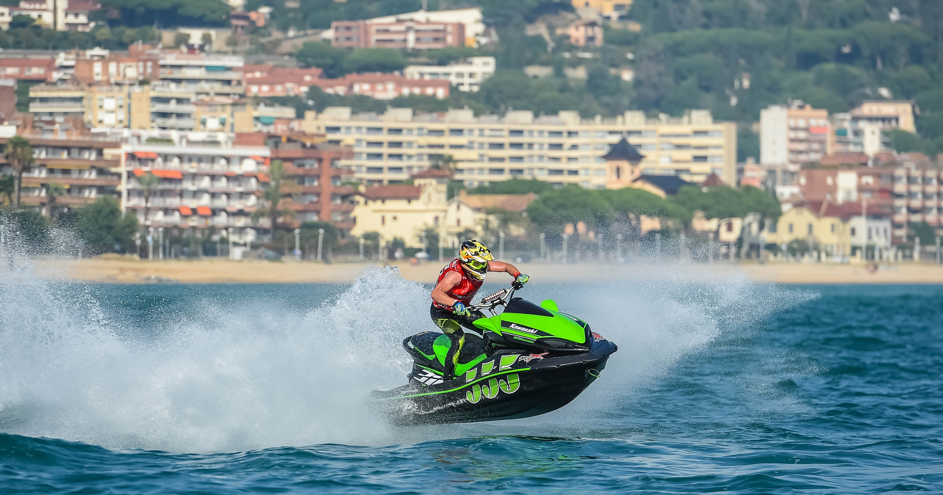 Kawasaki Ultra 310 qualifies for the AquaX Pro and Amateur 300 class