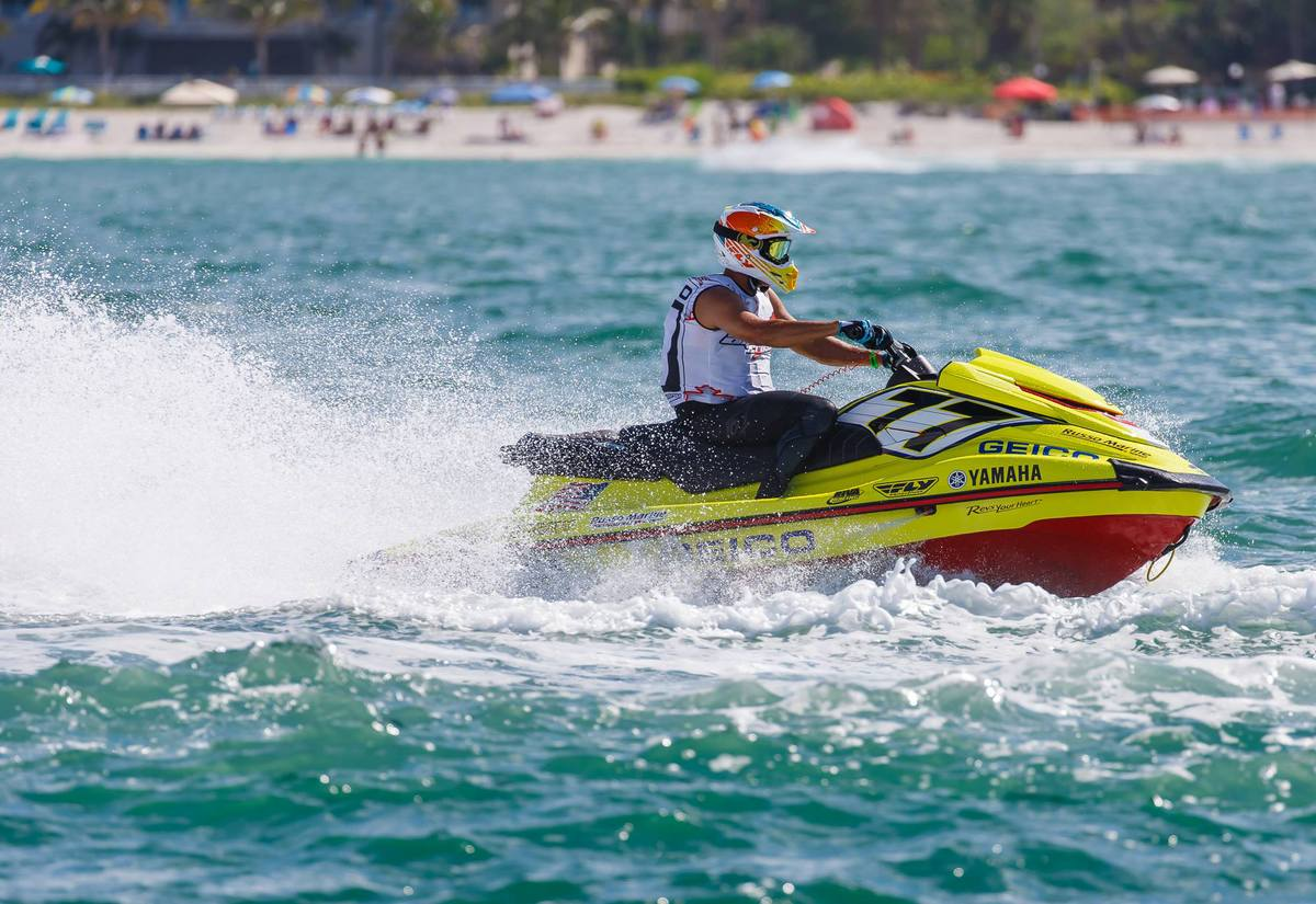 Jason Russo racing a GEICO ski last year in Sunny Sarasota