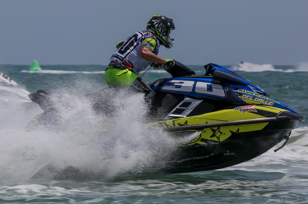 Carlito Del Valle completed his first win on the AquaX tour