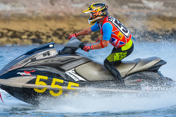Lofthouse took his first ever AquaX title with victory in the 200 class this season