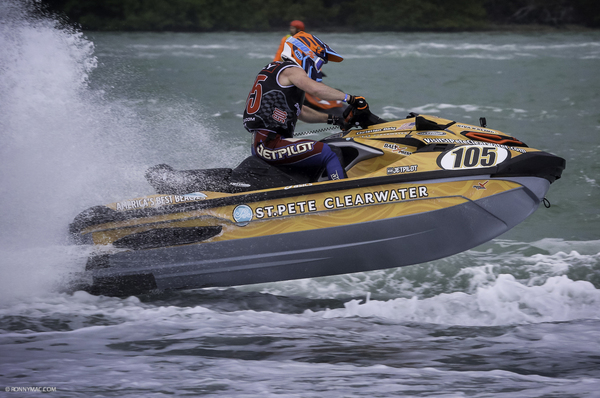 Christian Daly navigates the course alongside weekend winner, Eric Francis