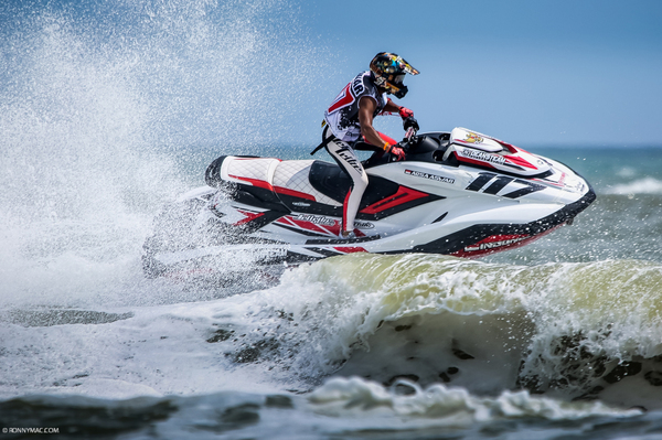 Indonesia racer #117 Aqsa Aswar returns to the AquaX World Rankings top 50 - in a number 33