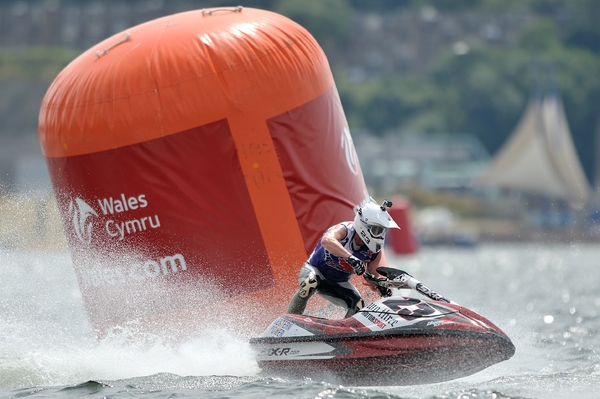 Simon Gill takes on the big buoys and wins