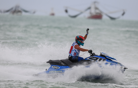Advantage <strong>Francis</strong> as he takes race one victory in <strong>Key West</strong>